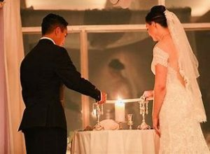 lighting the marriage candle